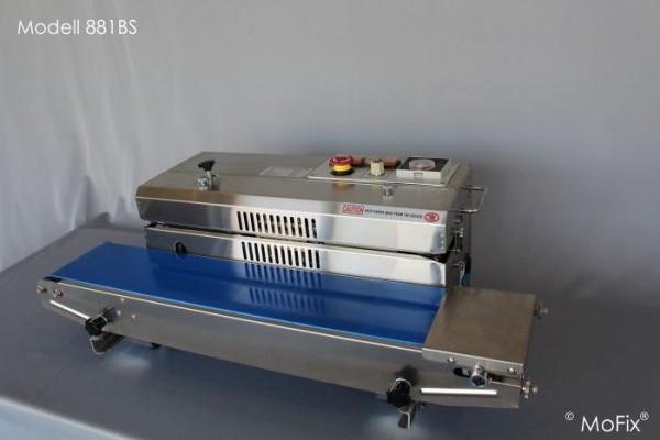 """Modell 881BS: Horizontales Band-Folienschweißgerät. Die Beutel werden """"liegend"""" verschweißt."""